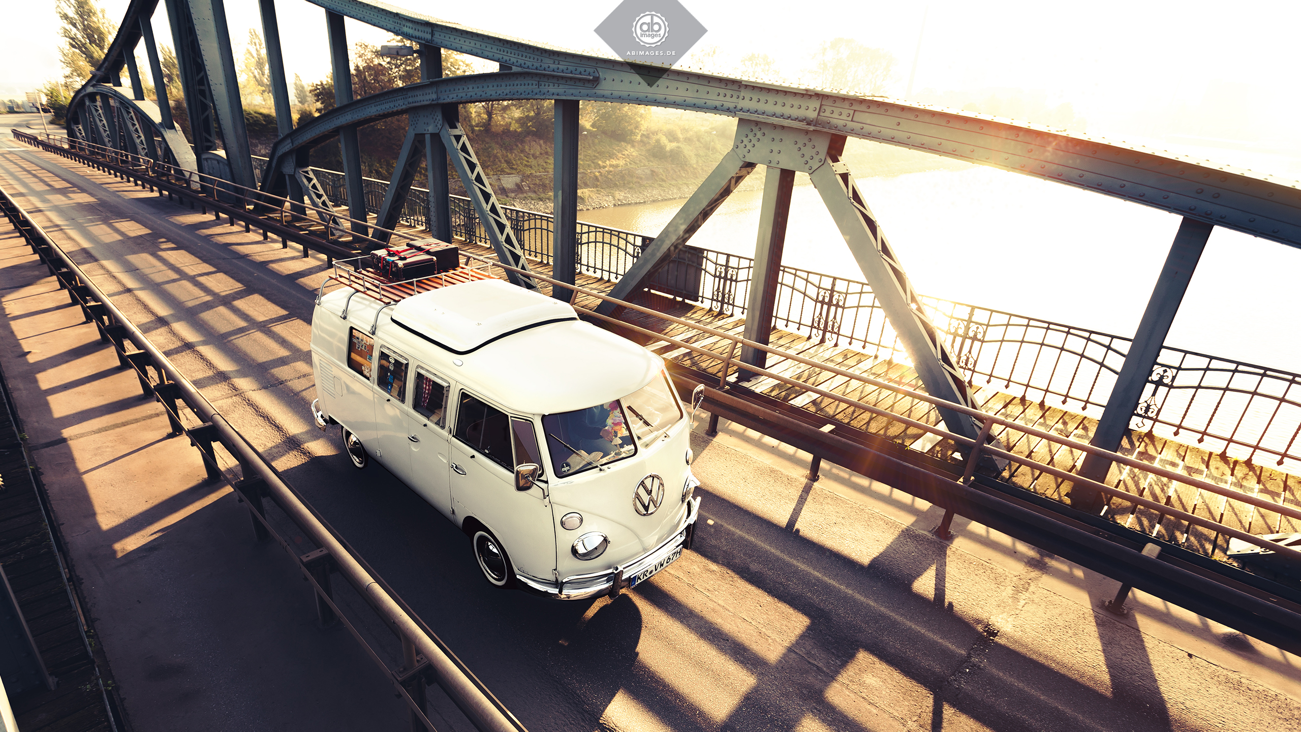 AB.IMAGES – VOLKSWAGEN VW T1 BULLI DESKTOP WALLPAPER
